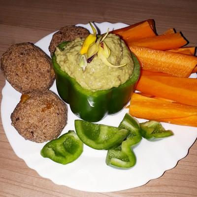 Avocadodip2 in Rezept für Avocado-Mandel-Dip