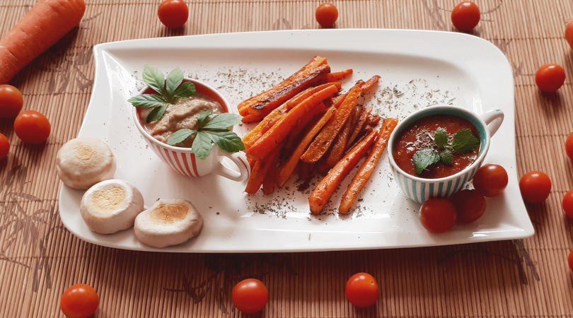 Rezept für Karottenpommes mit zwei verschiedenen Dips