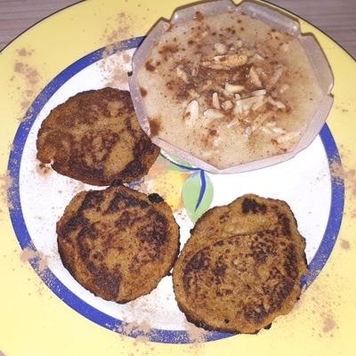 Karottenpuffer in Rezept für Möhrenpuffer mit Apfelpüree