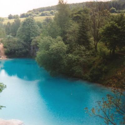 BlauSee in Der Blaue See im Harz fasziniert seine Besucher