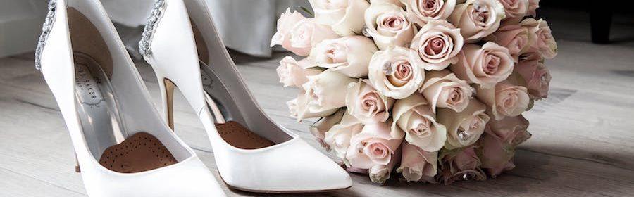Brautkleider online und Hochzeitsschuhe